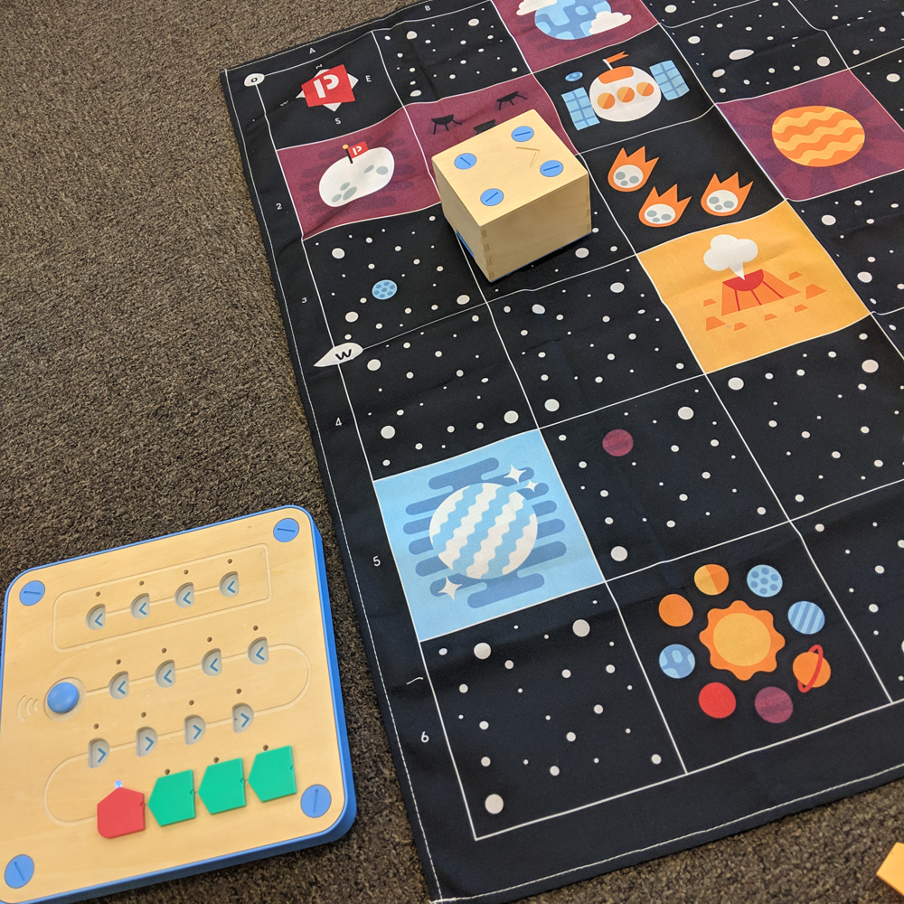 Cubetto space activity on mat