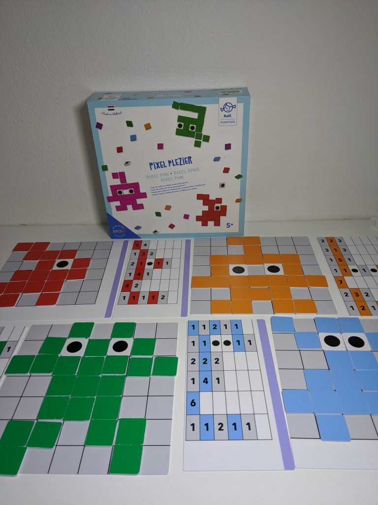 Pixel Plezier game complete set on table