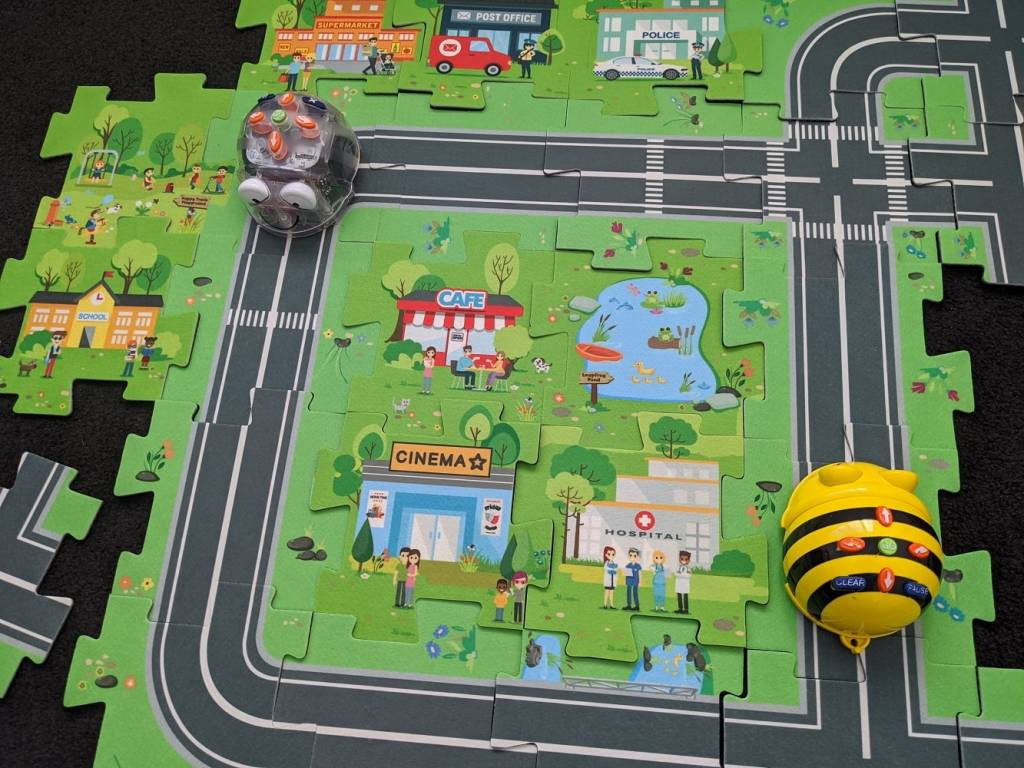 Beebot Road Maze Kit and Beebot Robot